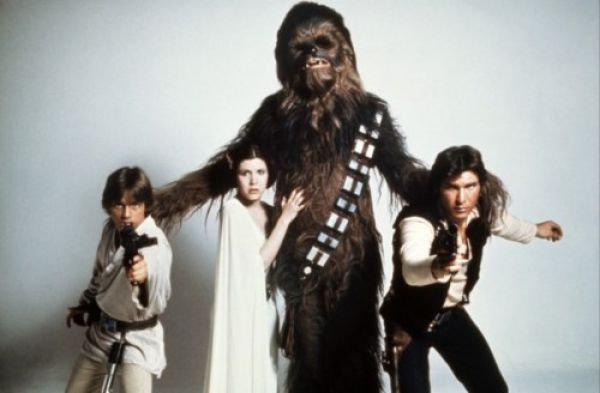 'Star Wars: Episode 7': Carrie Fisher Confirms Original Cast's Return & Start Date