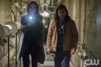 """The Flash -- """"The Man in the Yellow Suit"""" -- Image FLA109a_0013b -- Pictured (L-R): Danielle Panabaker as Caitlin Snow and Carlos Valdes as Cisco Ramon -- Photo: Jack Rowand/The CW -- © 2014 The CW Network, LLC. All rights reserved."""