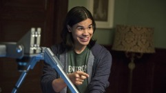 "The Flash -- ""The Nuclear Man"" -- Image FLA113B_0354b -- Pictured Carlos Valdes as Cisco Ramon -- Photo: Cate Cameron/The CW -- © 2015 The CW Network, LLC. All rights reserved."